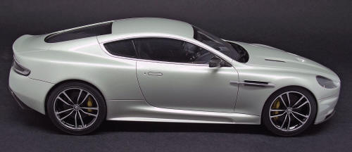 Tamiya Aston Martin DBS #24316 1/24 scale English