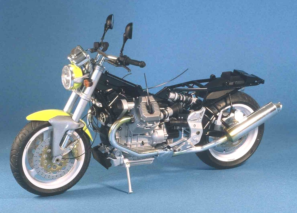 moto guzzi v10 centauro tamiya 1 12. Black Bedroom Furniture Sets. Home Design Ideas