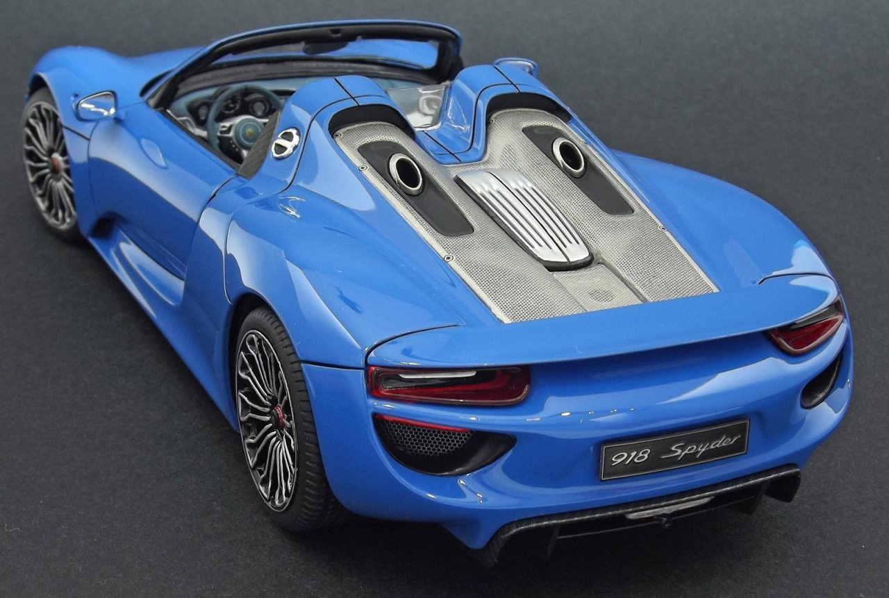 revell porsche 918 spyder 7026 1 24 scale. Black Bedroom Furniture Sets. Home Design Ideas