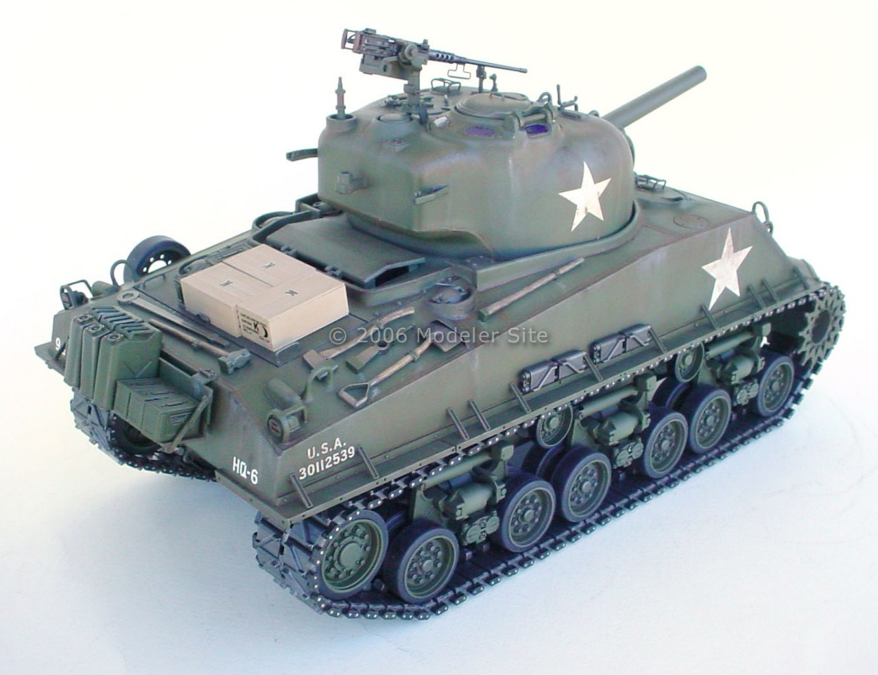 Detailing and painting the 1/16 Tamiya M4 Sherman, a guide for