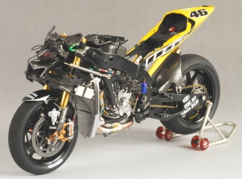 Kitbashing The Yamaha YZR M 1 Moto GP 2005   Tamiya 1/12 Scale