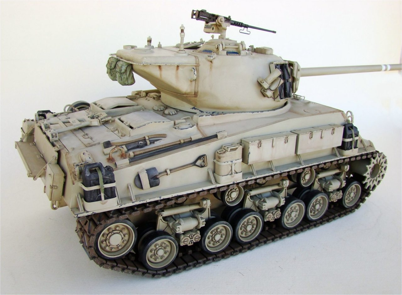 Tamiya M51 super sherman RC 1/16 scale
